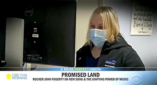 La enfermera de 7W Sarah Demers reconocida por la leyenda del rock John Fogerty