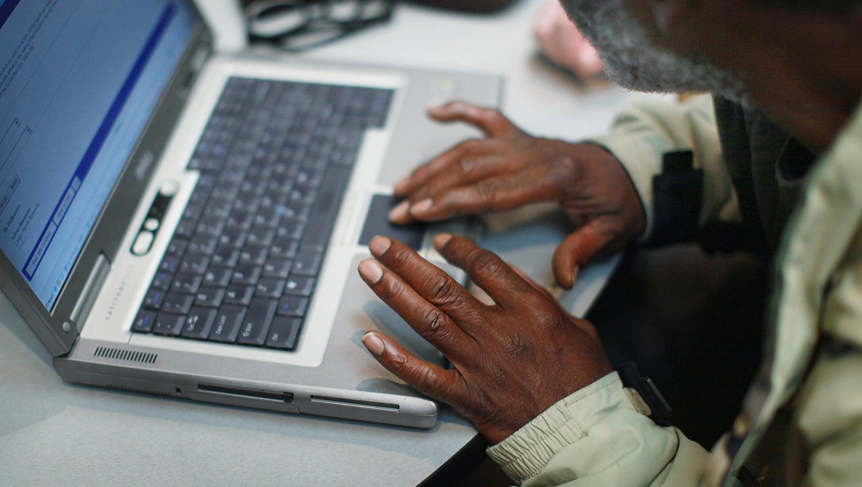 Man navigates a job posting website