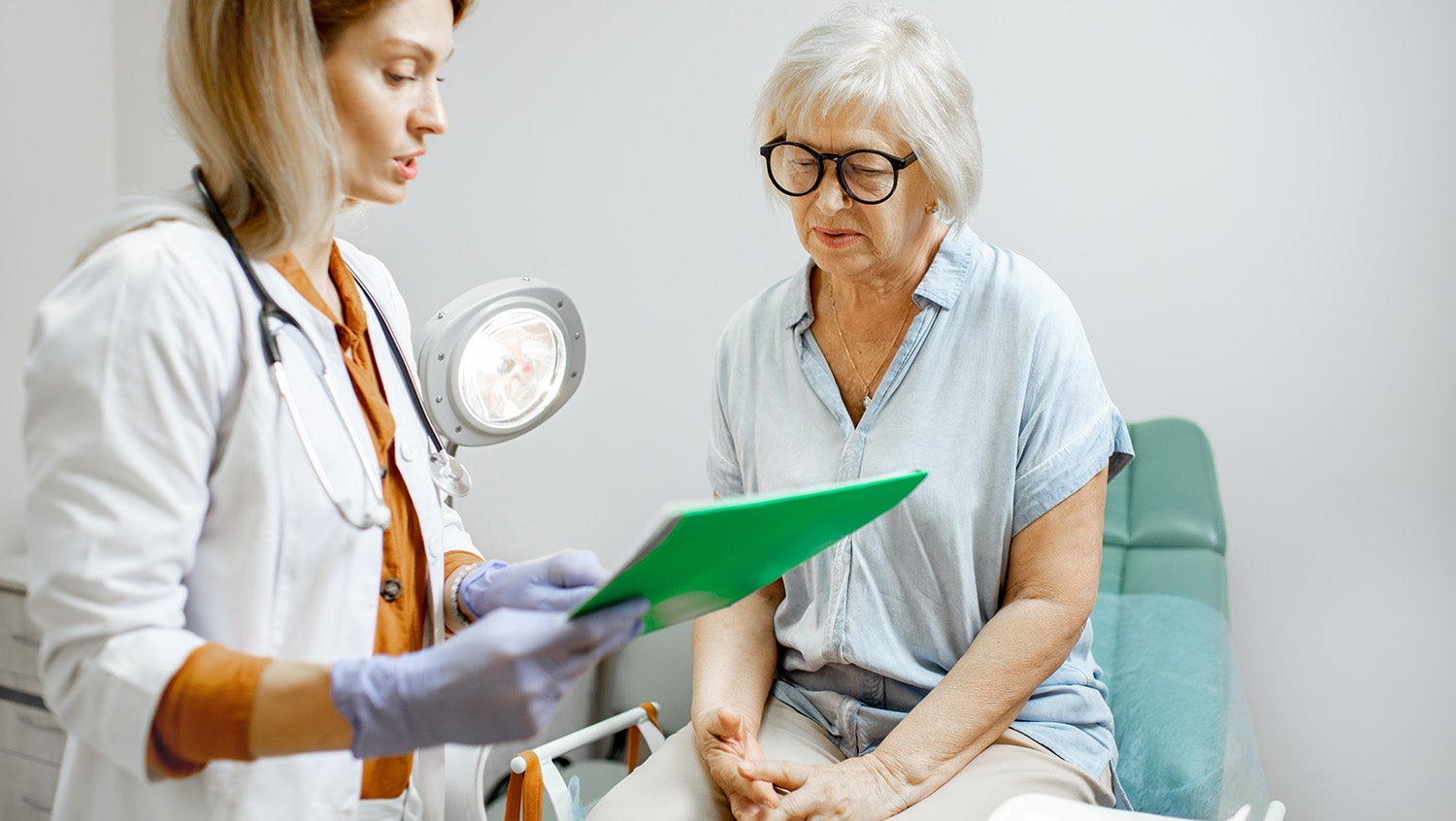 older woman cervical cancer screening and obgyn office